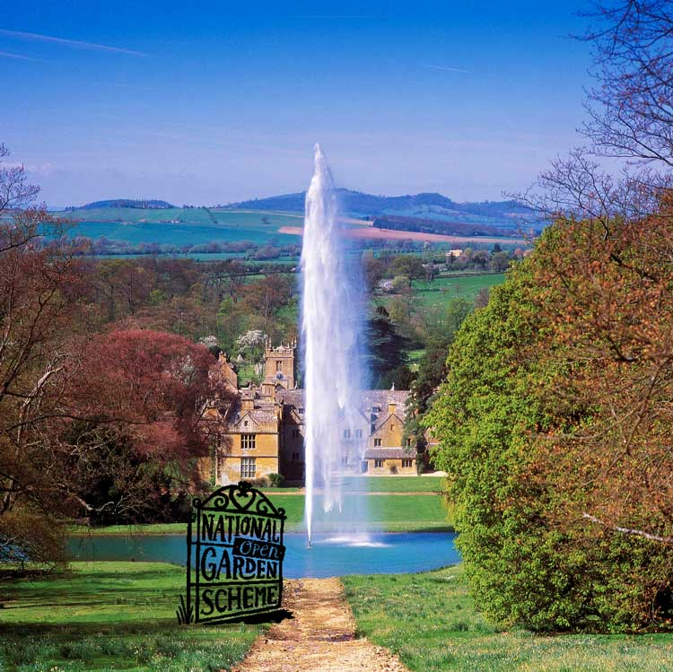 Stanway Fountain & Water Garden